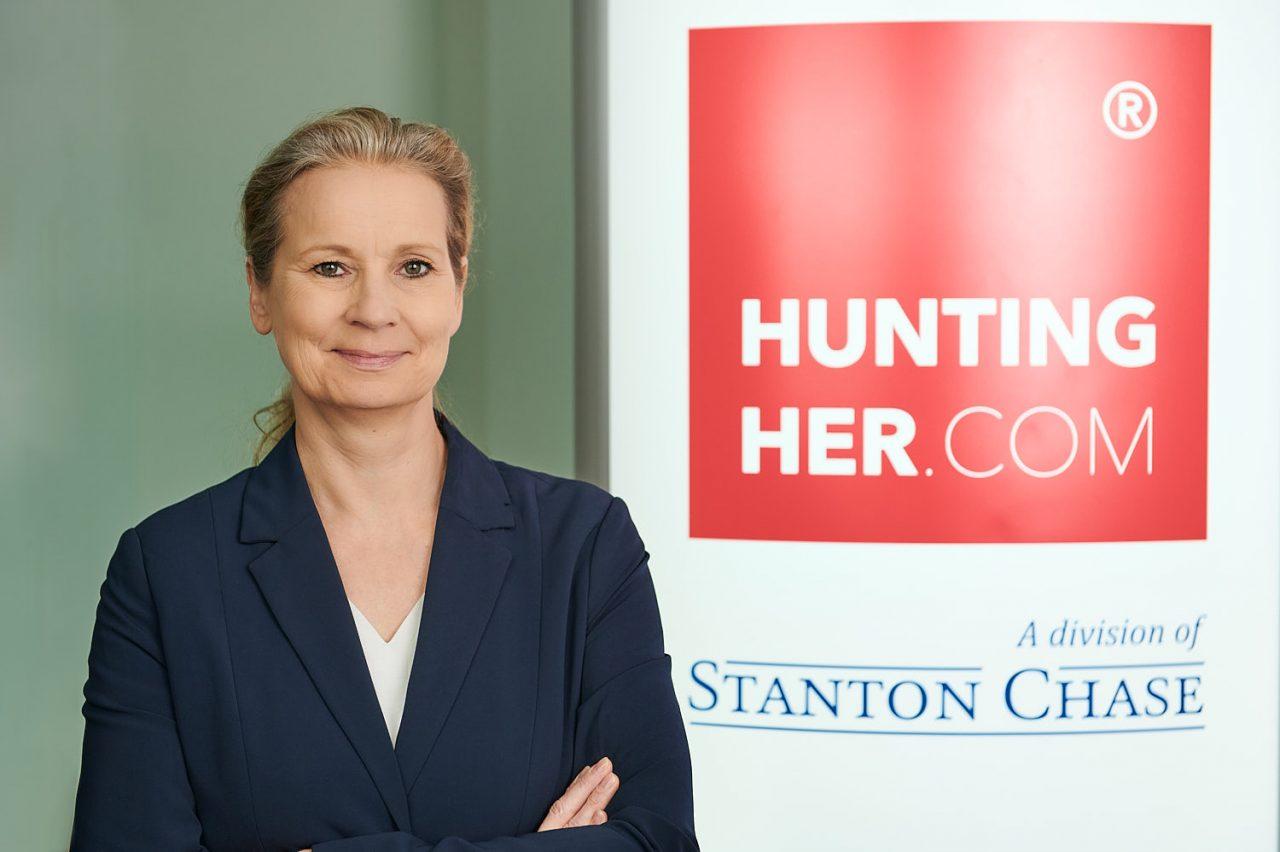 DiverRegina Lindner von der auf Frauen fokussierten Personalberatung Hunting/Her HR-Partners